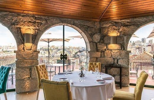 Make the most of your trip to the Taylor's cellars by accompanying your visit with a sumptuous lunch or dinner at our Barão Fladgate Restaurant.