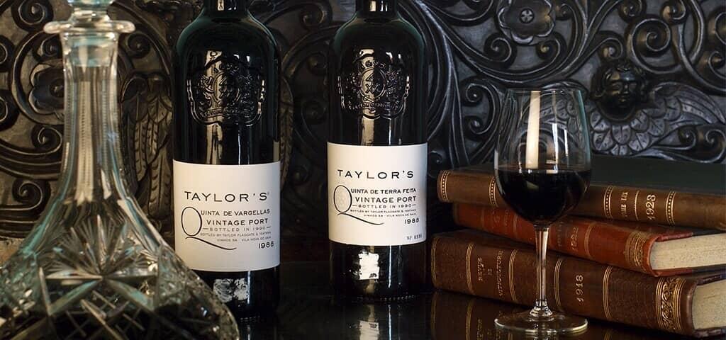 Desde su fundación en 1692, Taylor's se ha dedicado a producir el mejor vino de Oporto.  Esta casa productora continúa...