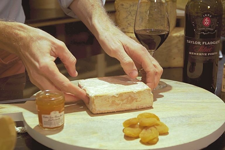In this video we will explain how Taylor Fladgate Select Ruby Reserve is the perfect combination for Pont-l'Évêque cheese.