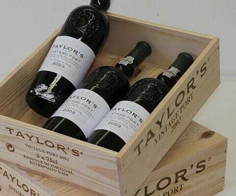 Ninguna colección de vino seria puede considerarse completa si no contiene al menos algunos vinos de Oporto Vintage de las mejores casas...
